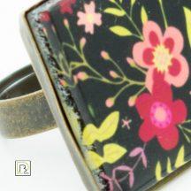 Fekete tavaszi virág gyűrű
