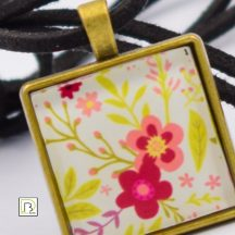 Tavaszi virág nyaklánc