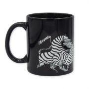 Vasarely futó zebrás fekete bögre